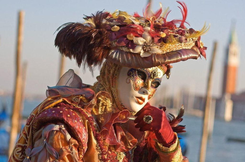 Мастер-класс по изготовлению венецианских масок (изображение 2)