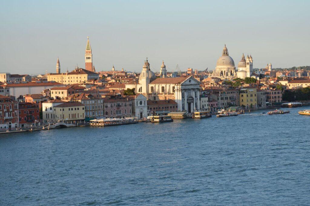 Экскурсии по Венеции - Геннадий Лобас: Набережная неисцелимых (набережная Дзаттере)